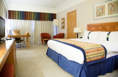 فندق هوليدي ان كريستال - King Bed Deluxe Room