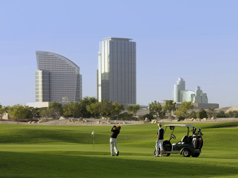 InterContinental RESIDENCE SUITES DUBAI F.C. - The Neighbouring Al Badia Golf Club