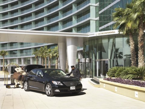 InterContinental RESIDENCE SUITES DUBAI F.C. - Entrance