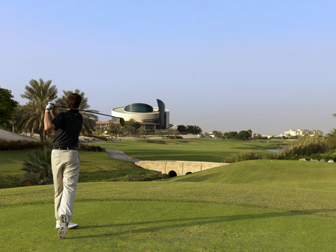 InterContinental RESIDENCE SUITES DUBAI F.C. - The Neighbouring 18-Hole Championship Golf Course