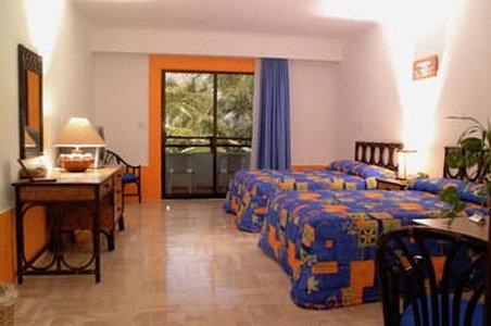 El Pueblito Beach Hotel - Guest Room