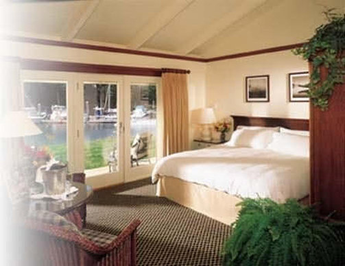Yachtsman Lodge & Marina - Kennebunkport, ME