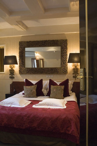 The Toren - Hampshire Classic - Double Room with Canal View