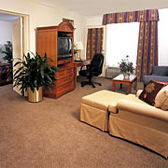 Clarion Inn &amp; Suites Clearwater