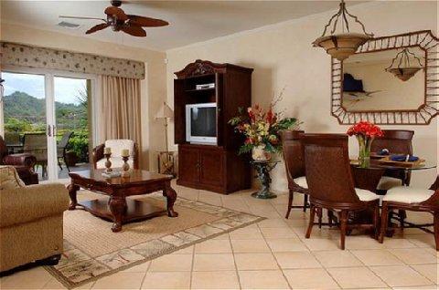 Los Suenos Rentals - Delmar Living Room