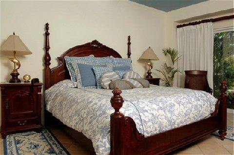 Los Suenos Rentals - Delmar Master Bedroom