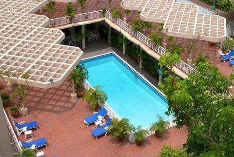 Sheraton Dhaka - Pool view