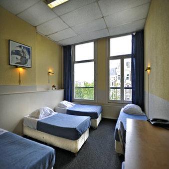 Hotel Titus - Quadruple 2