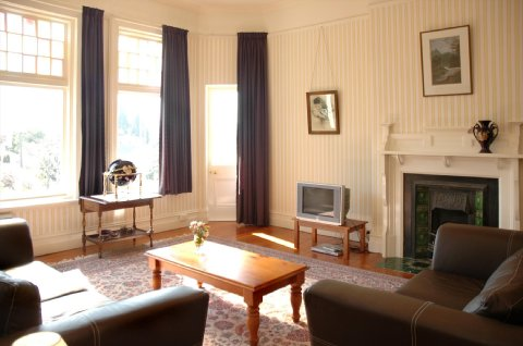 Claremont House - Green Room