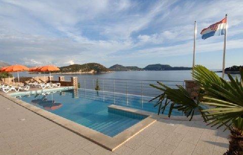 Hotel Bozica - outdoor swimmingpool