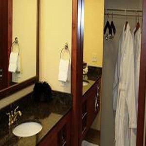 The Cody Hotel - Bathroom