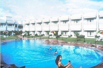 Usha Bundela Hotel - Swimming Pool