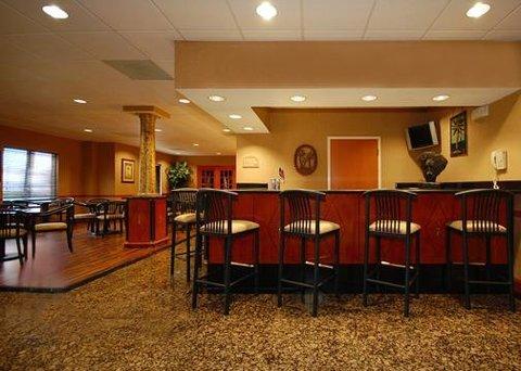 Comfort Suites at Harbison - Bar Lounge