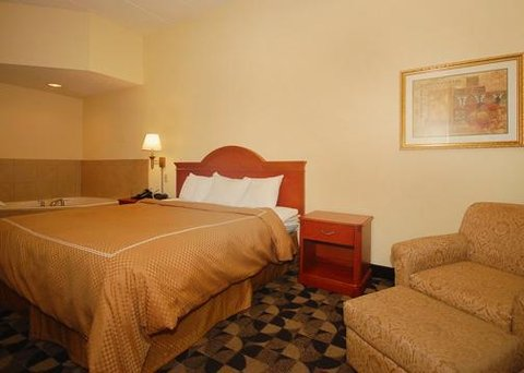 Comfort Suites at Harbison - Suite with whirlpool