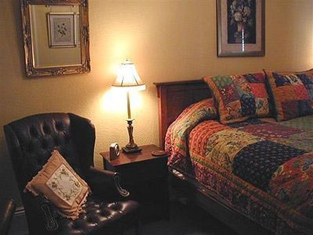 The Continental Inn - Tomales, CA