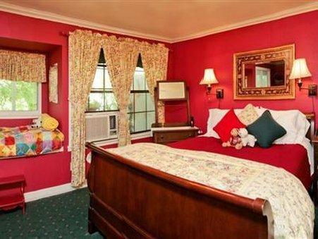 The Lamb's Rest Inn - New Braunfels, TX