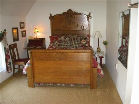 BARN ANEW Bed and Breakfast - Guest Room -OpenTravel Alliance - Guest Room-