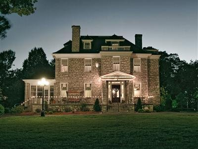 Hawthorn A Bed & Breakfast - Independence, MO