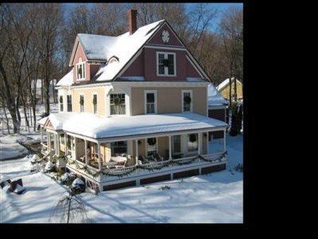 Sleigh Maker Inn Bed & Breakfast - Westborough, MA