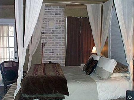 Austins Inn At Pearl Street - Austin, TX