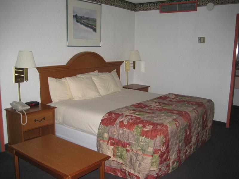Regency Premier Hotel-Downtown