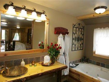 Carson Ridge Luxury Cabins - Carson, WA