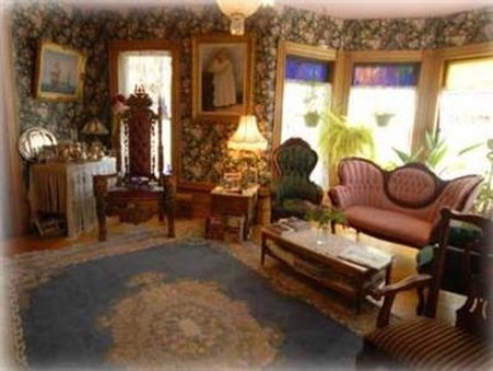 Lion & The Rose Bed-Breakfast - Whitefield, NH