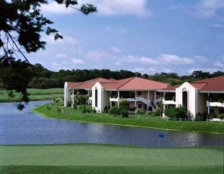 Paradisus Playa Conchal Hotel - Villas Lake