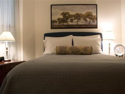 University Quarters Bed And Breakfast And Suites - Guest Room