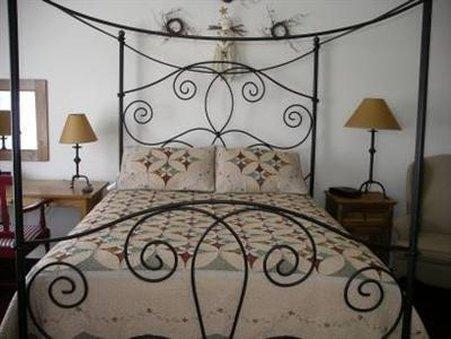 Currier Inn - Guest Room
