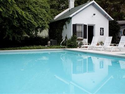 1861 Inn - Exterior Pool