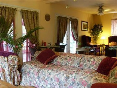Annabel Inn The Bed And Breakfast - Interior -OpenTravel Alliance - Lobby View-