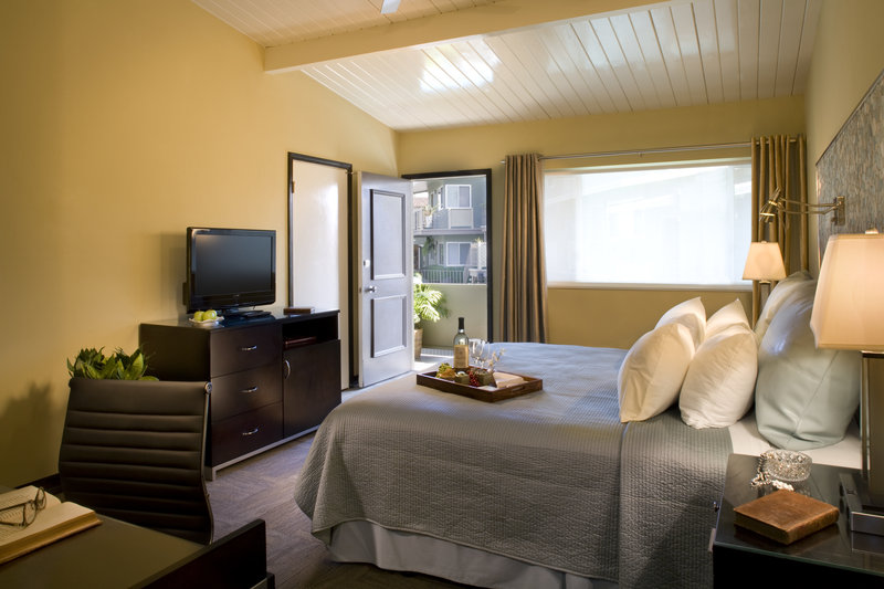 Inn At East Beach - Santa Barbara, CA