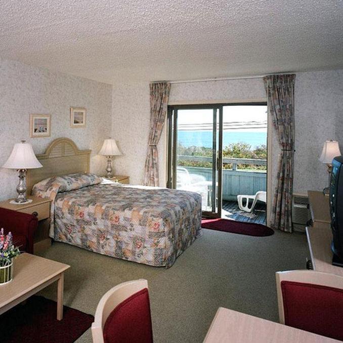 Montauk Beachcomber Resort Hotel - Montauk, NY