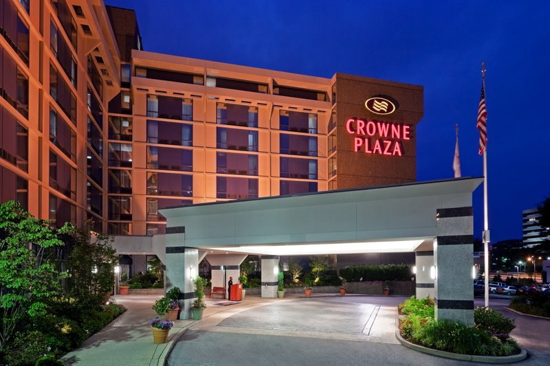 Crowne Plaza Hotel Philadelphia West Exterior view