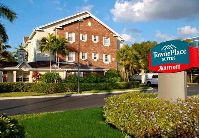 Hotel TownePlace Suites Miami Lakes Miramar Area 外観