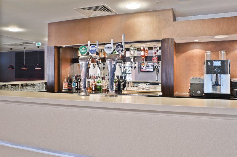 Holiday Inn Express Belfast-University Street Bar/salón