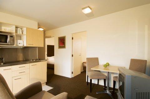 iStay on Cashel - Casliving Kitchen HR