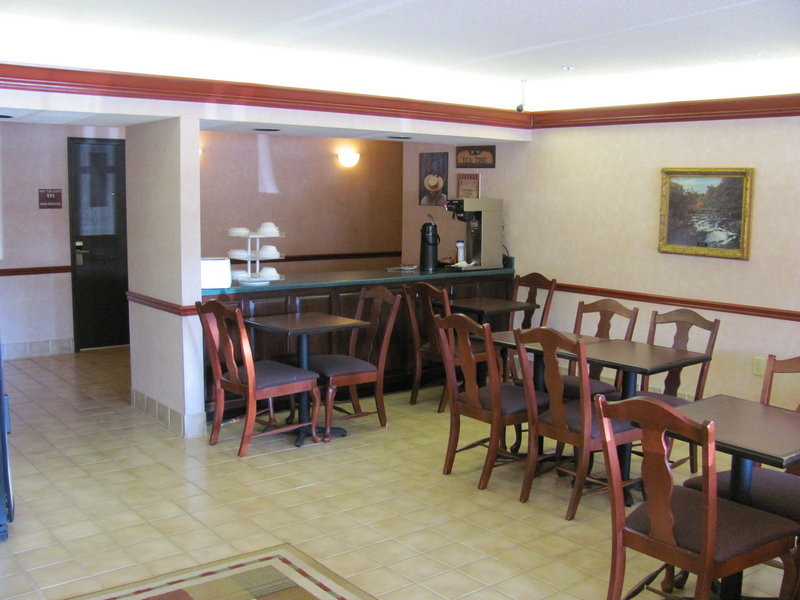 Country Hearth Inn - Toccoa, GA