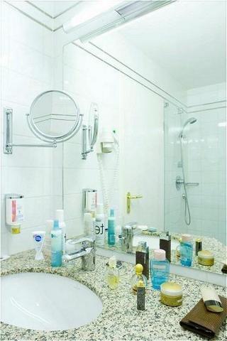 Hotel Alt Lohbruegger Hof - Bathroom