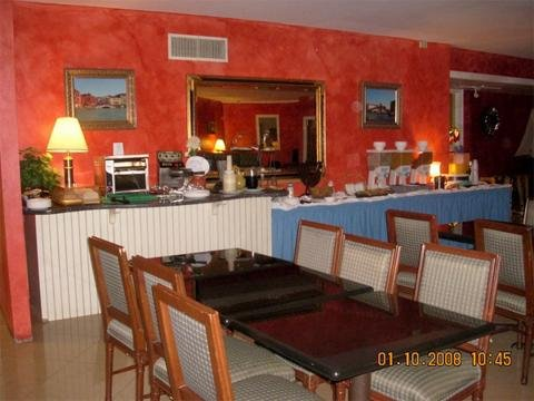 Newport Spa and Whirlpool Suites - Middletown, RI
