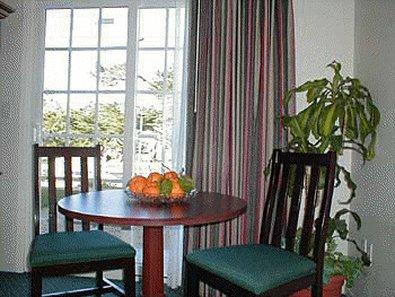 Bide-A-Wee Inn & Cottages - Pacific Grove, CA