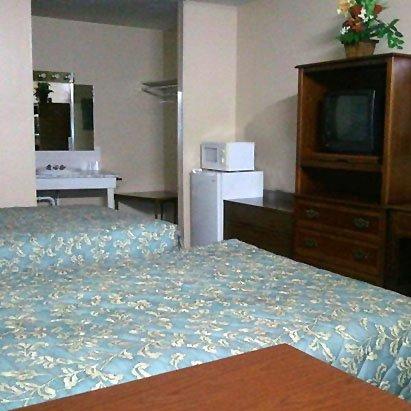 Capri Motel - Avoca, IA