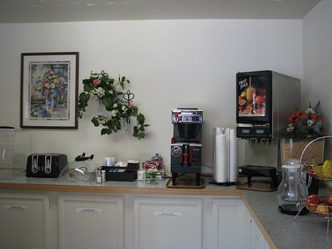 Sunrise Motor Inn - Breakfast Area