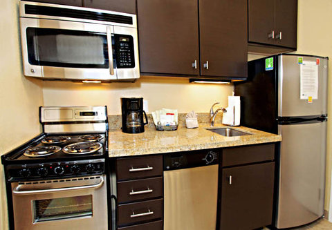Towne Place Suites By Marriott Phoenix Goodyear Hotel - Studio Suite Kitchen