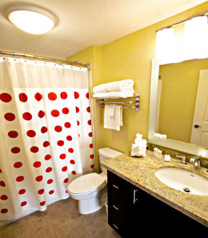 Towne Place Suites By Marriott Phoenix Goodyear Hotel - Guest Bathroom