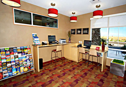 Towne Place Suites By Marriott Phoenix Goodyear Hotel - Business Center
