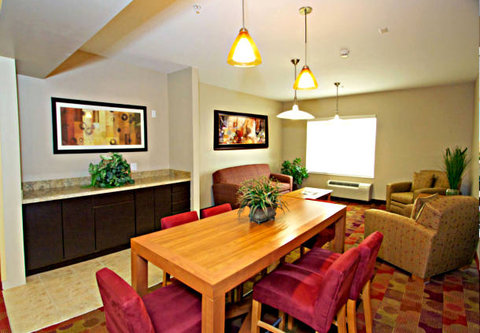 Towne Place Suites By Marriott Phoenix Goodyear Hotel - Common Room