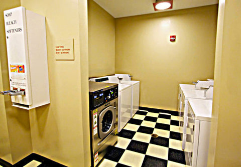 Towne Place Suites By Marriott Phoenix Goodyear Hotel - Guest Laundry Facilities