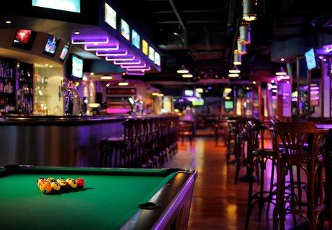 فندق ماريوت جي دبليو دبي - Champions Sports Bar